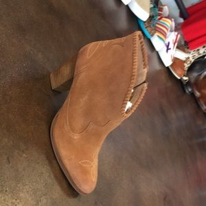 Ariat boots new with tags